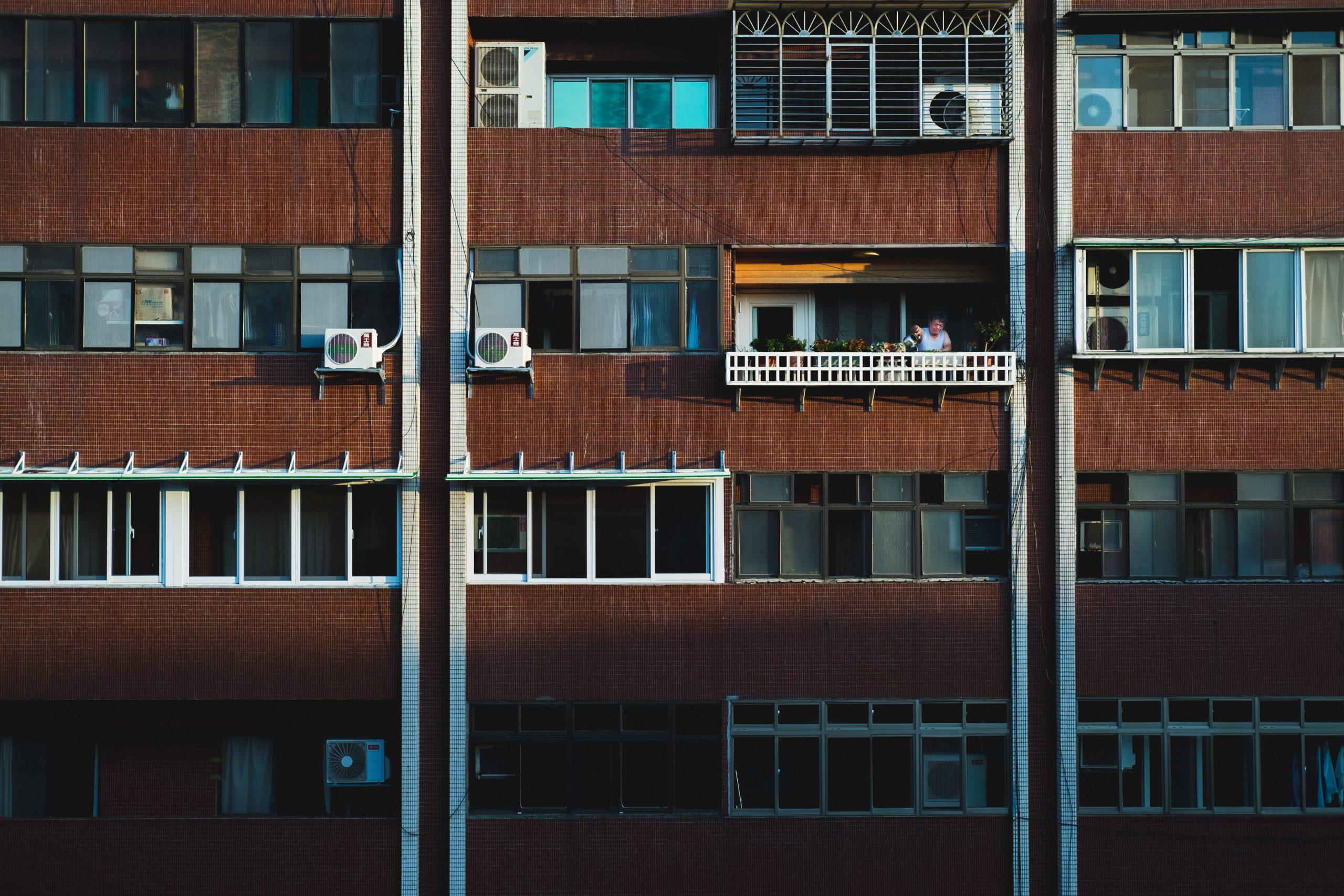 築40年のアパートで立ち退き交渉が発生!?問題解決をスムーズに行うポイントを解説